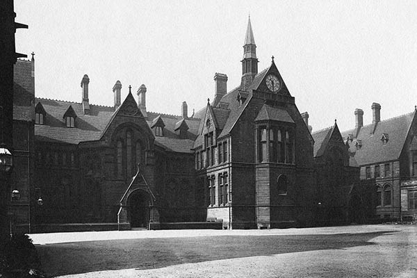 John Owens Building, University of Manchester, 1908.